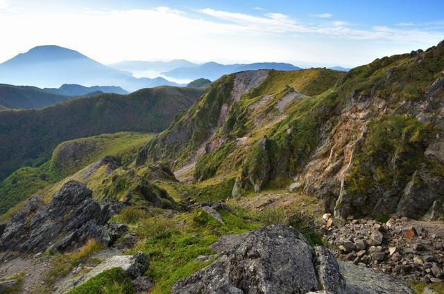 画像: 日光白根山から男体山を望む