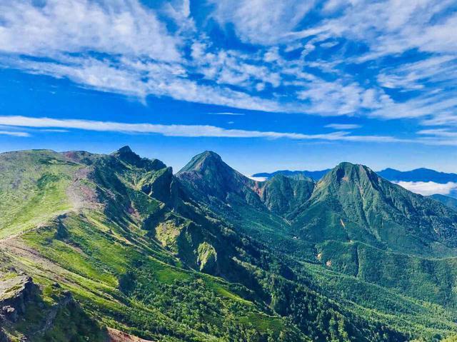 画像: 硫黄岳から見る赤岳