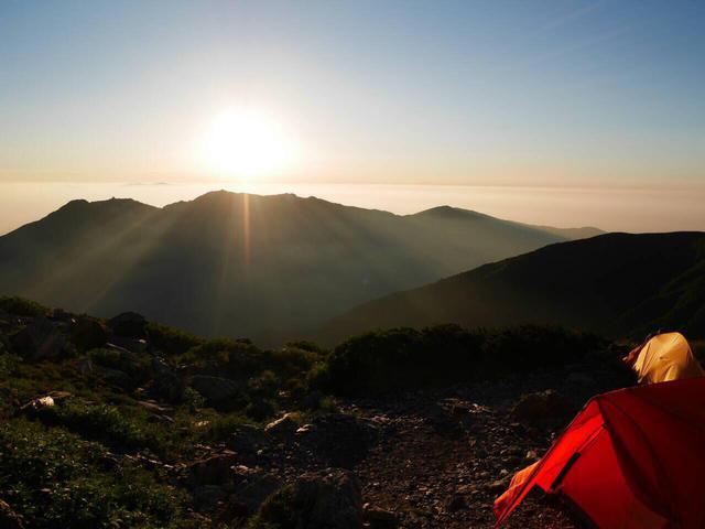 画像: 山上に泊まるからこそ見られる御来光や夕日・星空もお楽しみ!