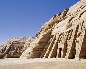 画像: 【20325】<70歳以上おひとり参加限定の旅>『1名1室なるべく歩かず巡る エジプトゆったり周遊10日間』<ゆったり旅70>|クラブツーリズム