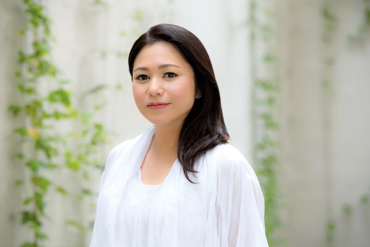 画像: 夏川りみ/沖縄出身、1999年デビュー。2008年以降は台湾や香港、上海などでも活躍しアジアで人気が高まる。