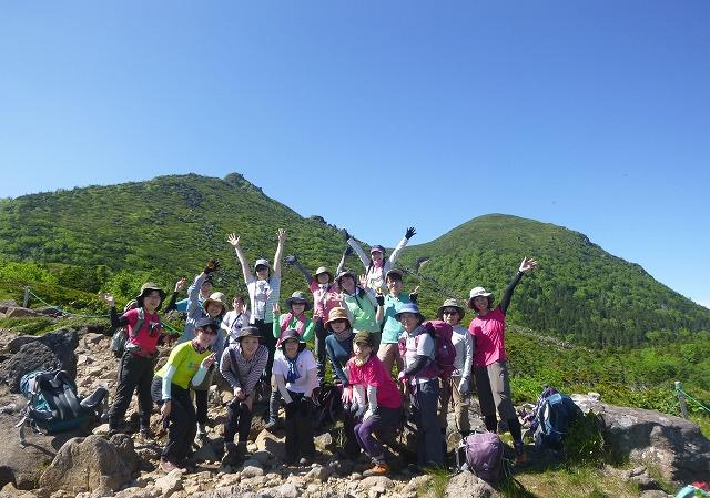 画像: 北八ヶ岳・天狗岳を背景に