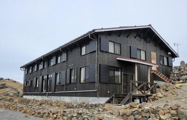 画像: 装いも新たにリニューアルした二ノ池山荘に宿泊