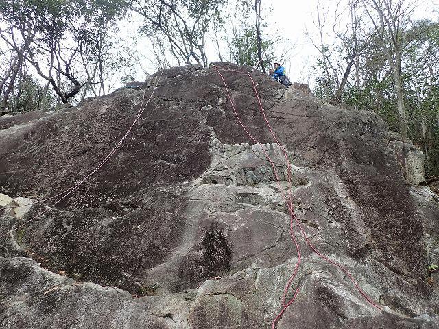 画像: 今回練習した水晶山の岩場です。