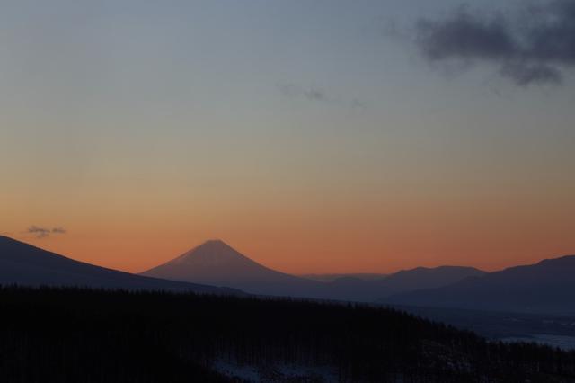 画像: 霧ヶ峰富士見台からの朝景色