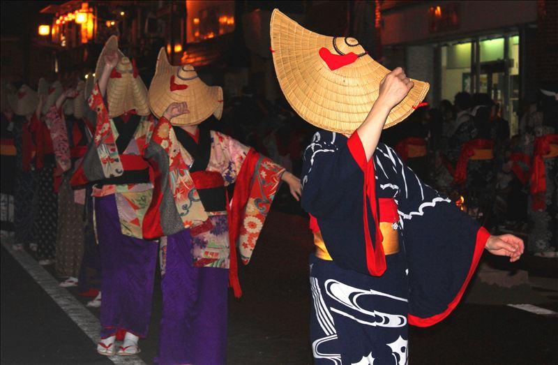 画像: 西馬音内盆踊り(お客様写真:千葉県在住 加藤正人様)