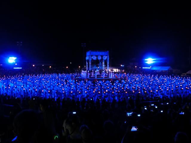 画像2: 幻想的な千人灯籠踊りに感動