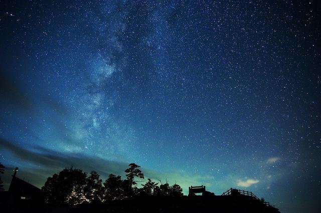 画像: 日光白根山頂から見た星空(イメージ)