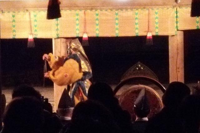 画像: 11月26日は、舞楽を奉納