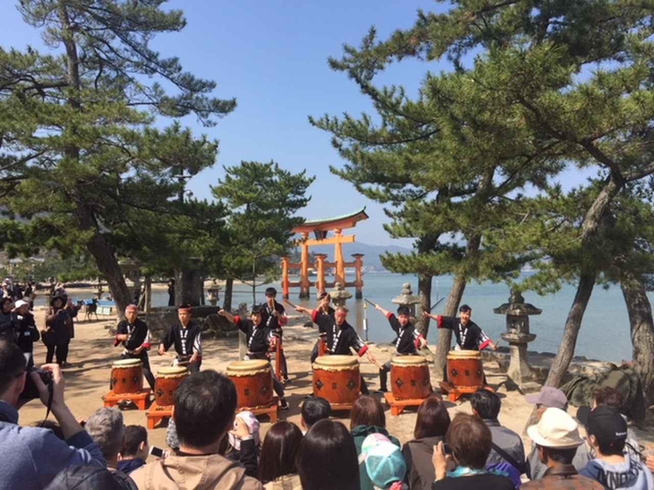 画像: 宮島太鼓の様子