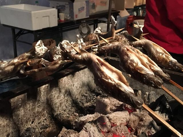 画像: 人気の岩魚の塩焼き(物販テントにて)