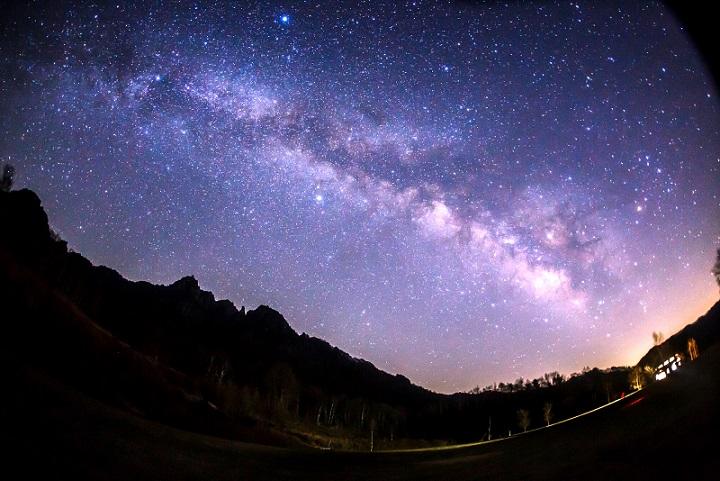 画像: オリオン座流星群 白馬五竜ナイトゴンドラ|クラブツーリズム