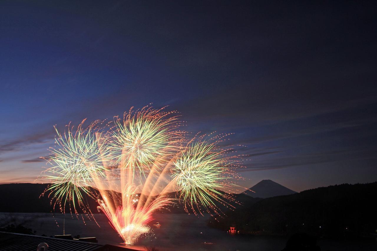 画像: 箱根「第4回 芦ノ湖トワイライト花火」|クラブツーリズム