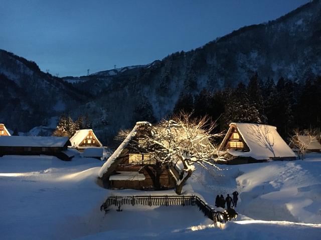 画像: 五箇山・世界遺産の菅沼集落のライトアップの様子
