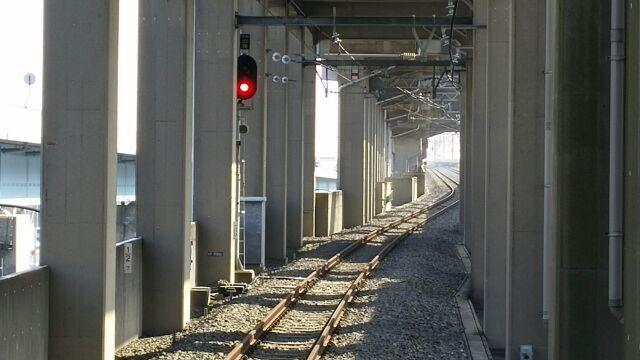 画像: 新木場駅にて、りんかい線から京葉線に行きます。