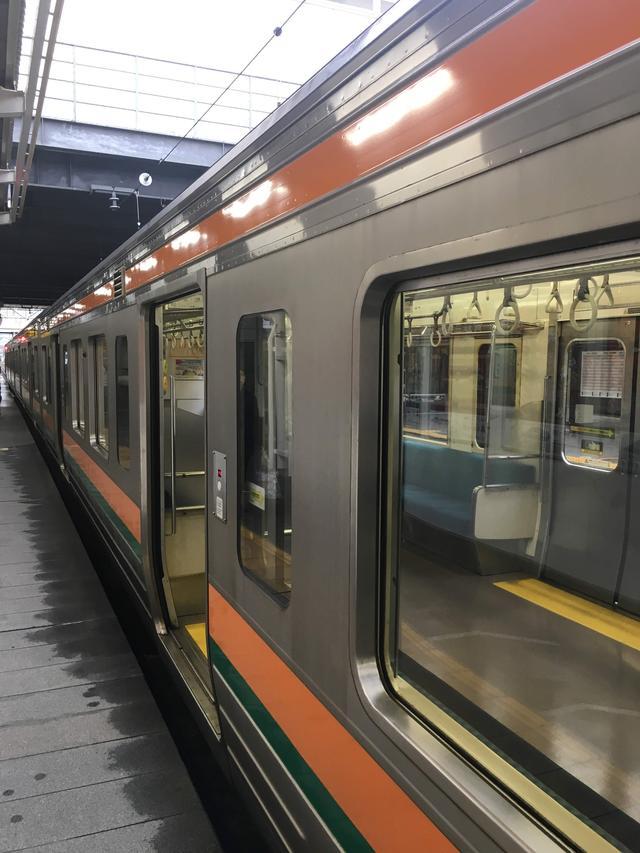 画像: 渋川駅5:43発普通電車720M。高崎駅6:08着。分散してご乗車頂き、新幹線ホームへとダッシュした。