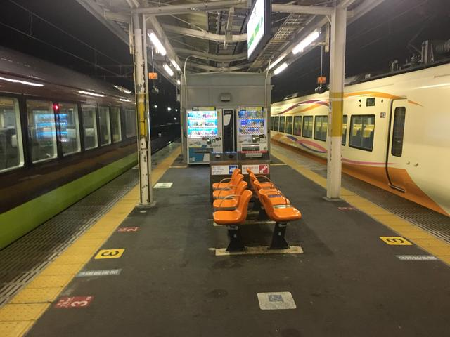 画像: 新前橋駅で乗り換え。「リゾートやまどり」から「ナマハゲロック号」へバトンタッチ