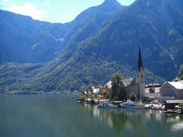 画像: 世界で最も美しい湖畔の町ハルシュタット