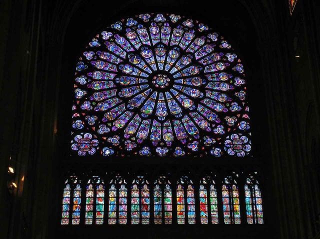 画像: ノートルダム大聖堂 バラ窓のステンドグラス