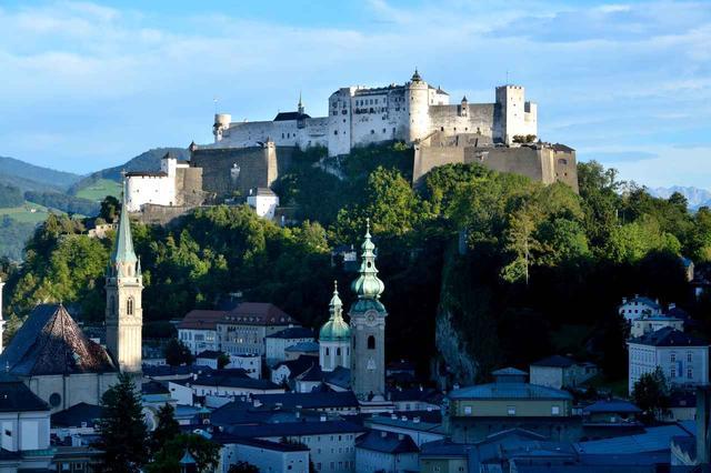 画像: ホーエンザルツブルク城