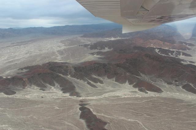 画像: セスナから見たナスカの砂漠(イメージ)