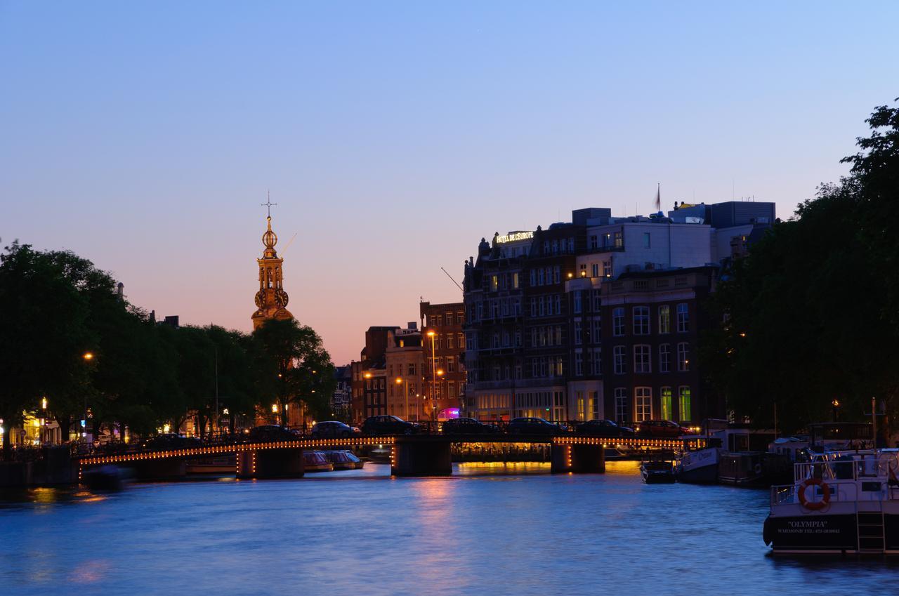 画像: ムント塔と暮れなずむ運河