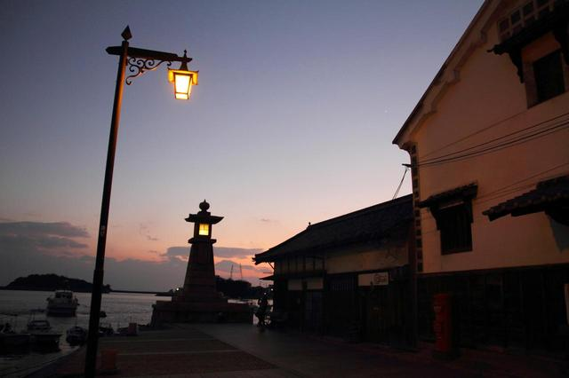 画像: 夕暮れの鞆の浦(イメージ)