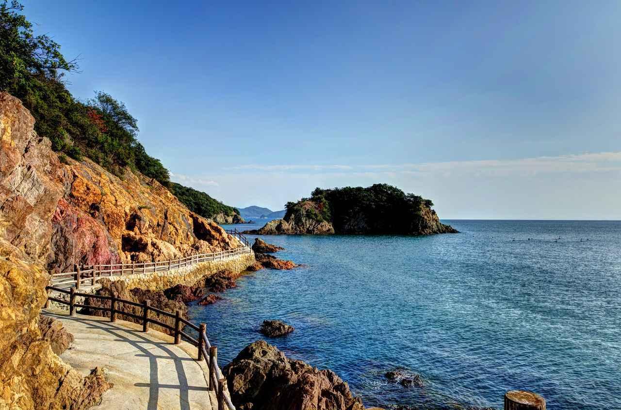 画像: 鞆の浦 仙酔島 五色岩(イメージ)