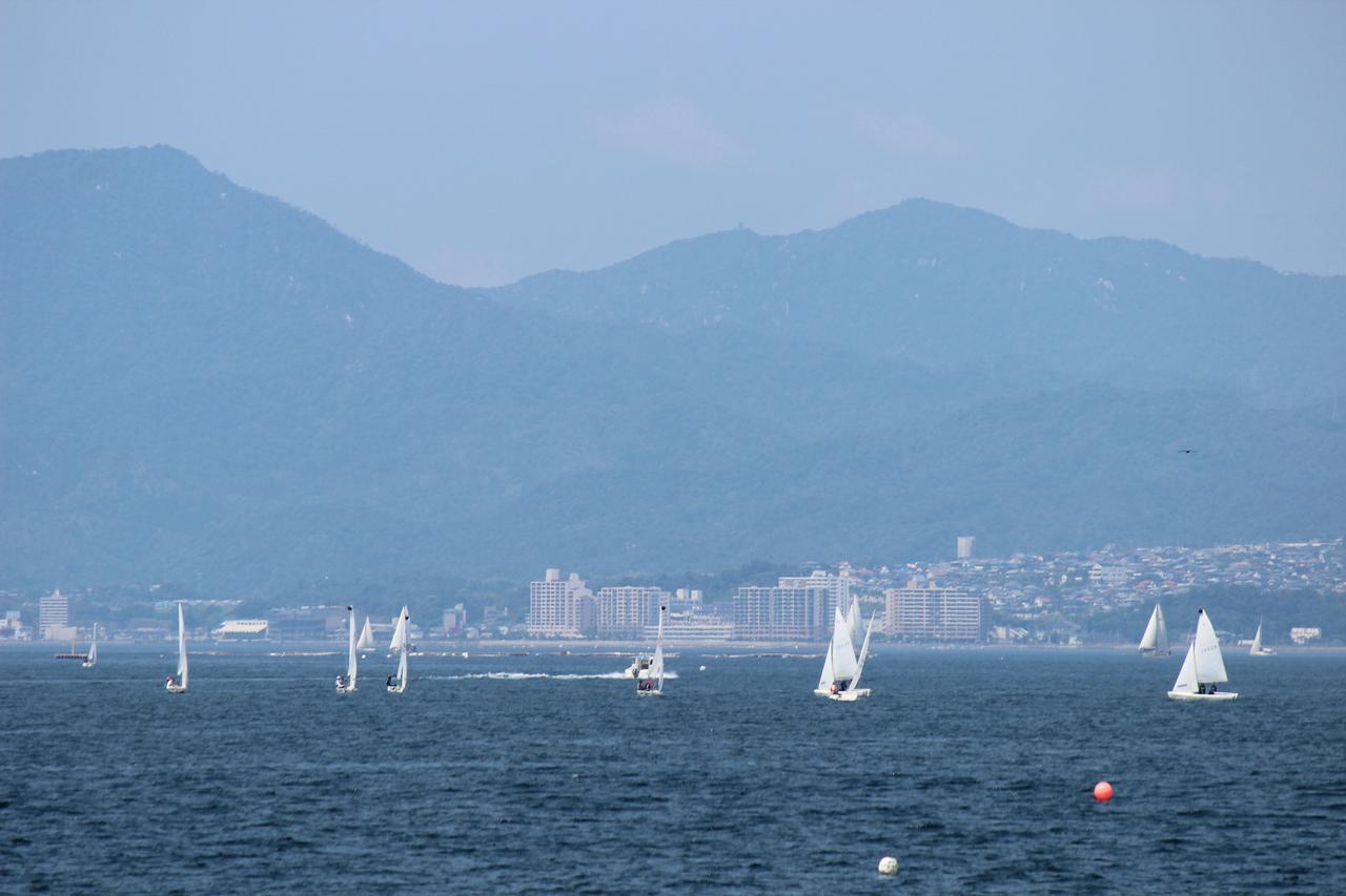 画像2: 海とヨット(イメージ)