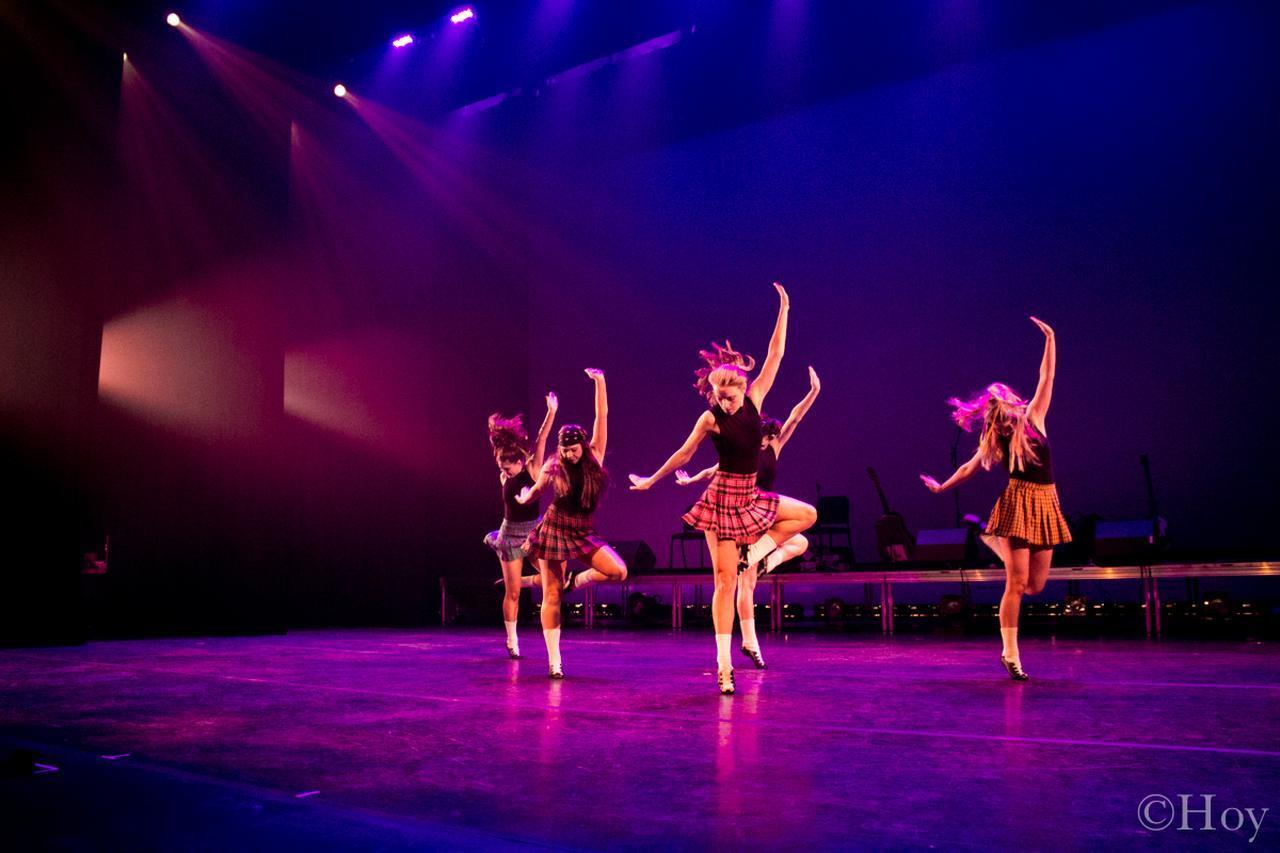 画像: 伝統的なダンス、息もつかせぬ超絶技巧の連続。怒涛のタップダンス、異国情緒あふれる音楽と煌びやかな衣装…世界チャンピオングループによる伝統的なダンスと生演奏で楽しめる本格的なアイリッシュミュージックをお届けします! photo by Chelsea Hoy