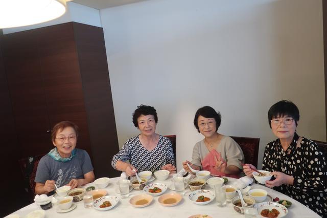画像: 本格的な辛さの「麻婆豆腐」やぷりぷりの「エビチリ」の昼食に舌鼓