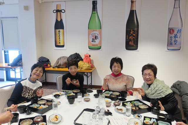 画像: お酒のおかげで(?)お話も弾み、皆様とても楽しそうでした。