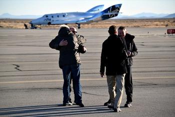 画像4: スペースシップ2 グライダー飛行テスト成功