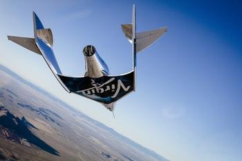 画像2: スペースシップ2 グライダー飛行テスト成功