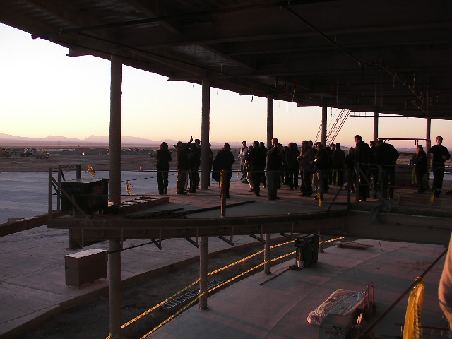 画像: 建設中のターミナルビル2階部分。出発ラウンジになる予定。