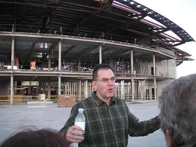 画像: 「スペースポートアメリカ空港公団」専務理事リックホーマンズ氏が説明をしてくれました。