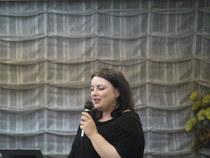 画像: 英国ヴァージンギャラクティック社販売部長 キャロリンウインザー女史