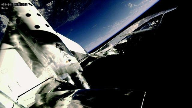 画像2: 2月22日 初の乗客あり宇宙テストフライト成功