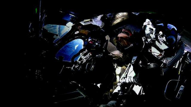 画像1: 2月22日 初の乗客あり宇宙テストフライト成功