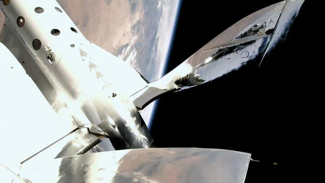 画像3: (速報)7月11日リチャードブランソン卿 宇宙フライト成功
