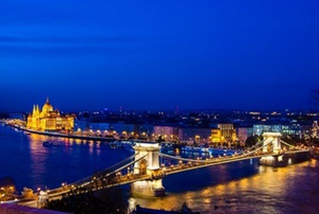 画像: 【世界遺産】ブダペストの美しい夜景