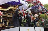 画像: 山車の上で文楽が上演される知立まつり