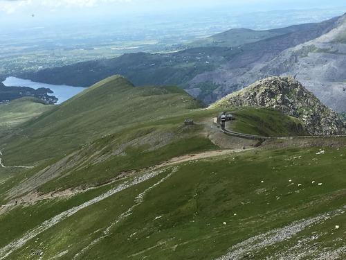 画像: スノードン山頂からの景色