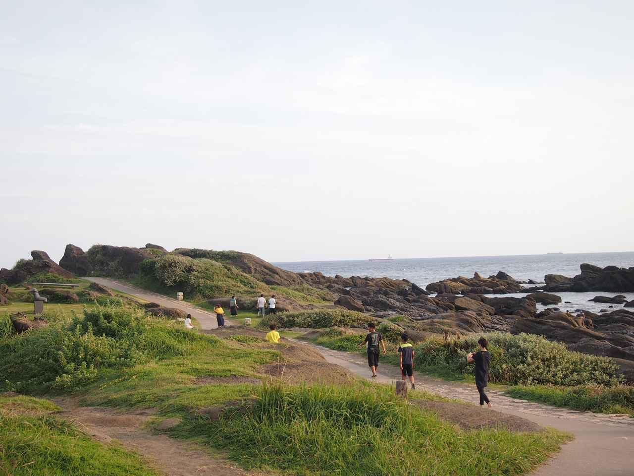 画像: 「房総半島最南端」の碑が立つ野島崎