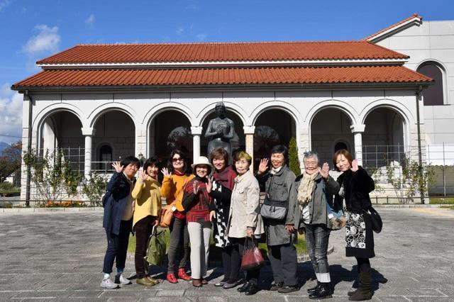 画像: ロマネスク様式の中世修道院をイメージした安曇野市豊科近代美術館で撮影