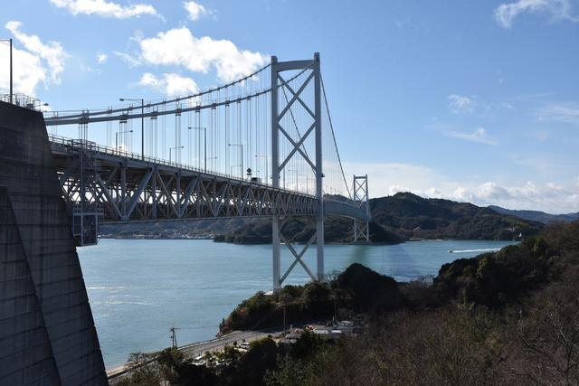 画像: 写真の因島大橋を皮切りに、6つの橋を渡ります。