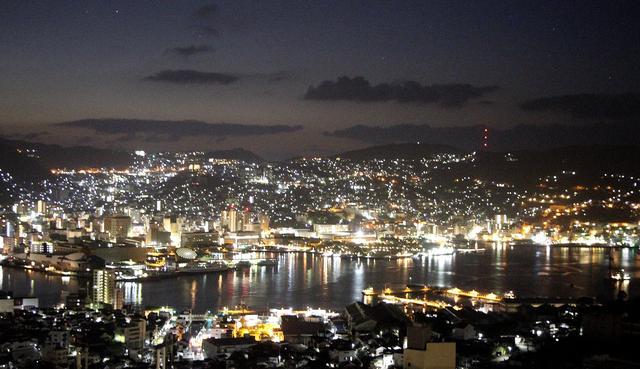 画像: 稲佐山観光ホテルから夜景を眺望