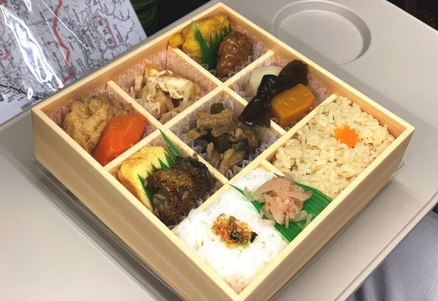 画像: 色々な料理を少しずつ楽しめる「なだ万」のお弁当
