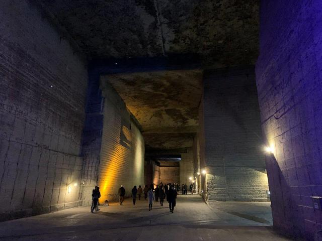 画像: 巨大な地下空間、大谷資料館