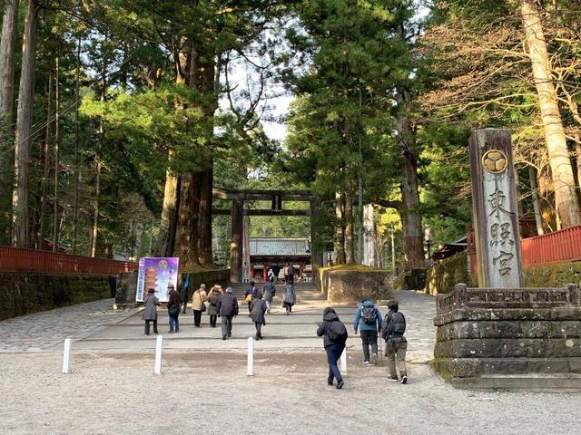 画像: 国の重要文化財に指定される日光東照宮の石鳥居